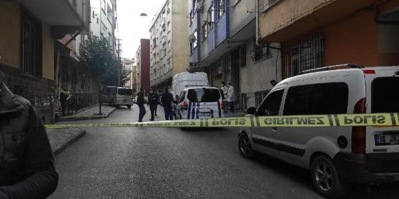 Esenler'de yaşlı kadın evinde bıçaklanarak öldürüldü