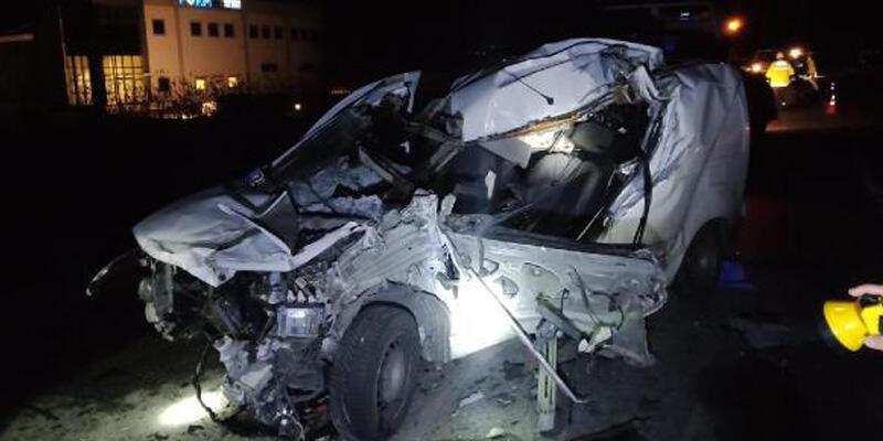 Süt tankeriyle kamyonet çarpıştı: 1 ölü, 1 yaralı