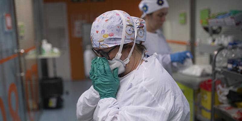 Dünyada koronavirüsten ölenlerin sayısı 1,9 milyonu geçti