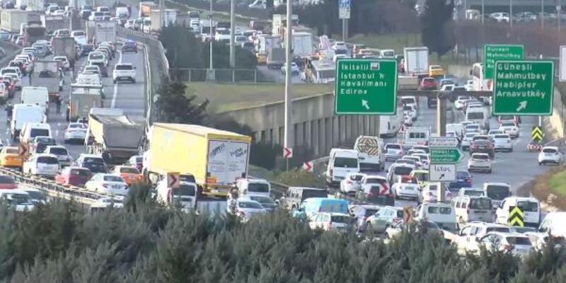 Kısıtlamaya saatler kaldı: İstanbul trafiğinde son durum