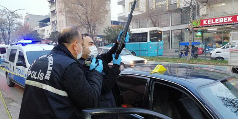 Araç kullanırken pompalı tüfekle kendini vurdu