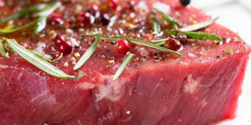 Günde 70 gramdan fazla kırmızı et tüketmek bağırsak kanserine neden olabilir