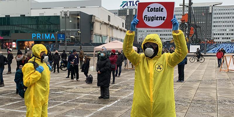 Almanya'da korona önlemleri karşıtı gösteri