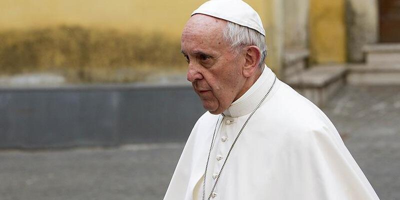 Papa'nın doktoru koronavirüsten öldü