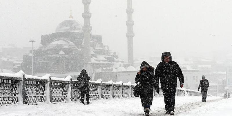 Meteoroloji'den peş peşe uyarılar! İstanbul'da 4 gün boyunca kar bekleniyor...