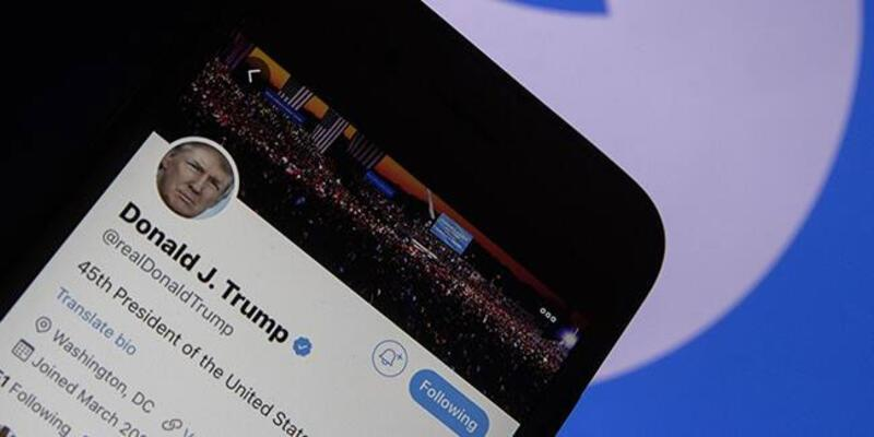 """Rusya'dan Trump'ın hesabına yapılan engellemeye """"nükleer patlama"""" benzetmesi"""