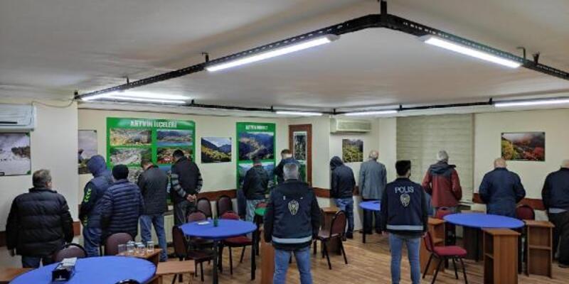 Maltepe'de kumar denetimi: 33 kişiye ceza kesildi