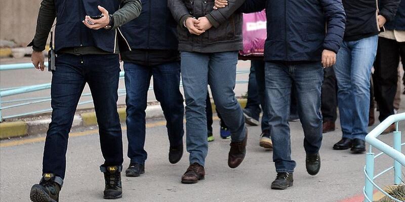 Son dakika... İzmir'de merkezli 60 ilde operasyon: 218'i muvazzaf 238 kişi hakkında gözaltı kararı