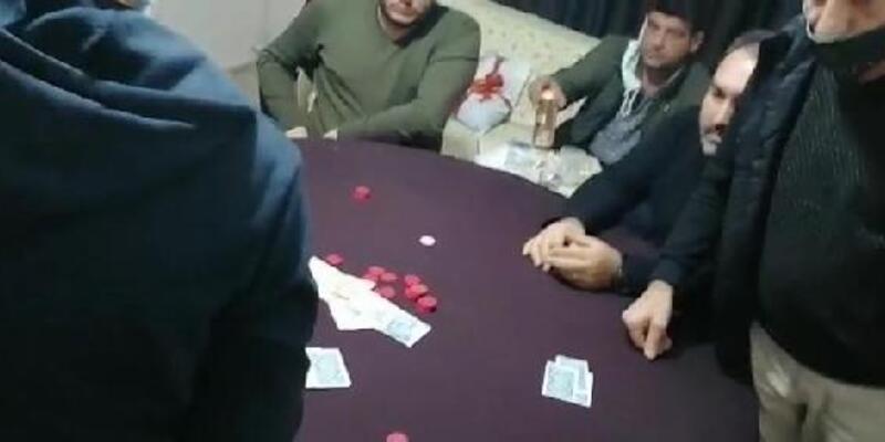 Evde kumar oynayan 16 kişiye 75 bin 544 TL ceza kesildi