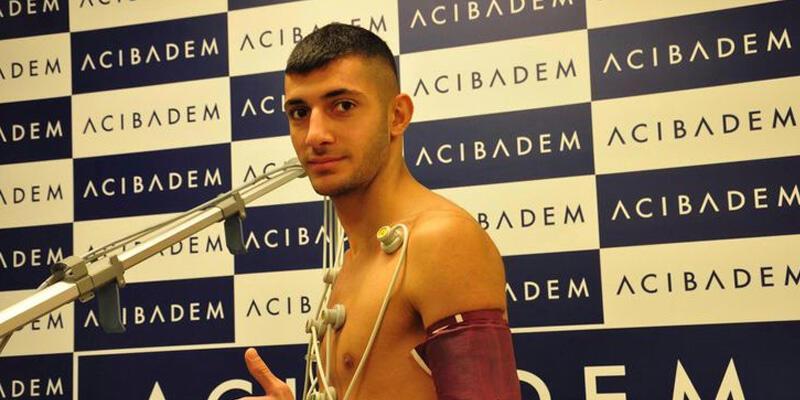 Son dakika... Beşiktaş Cemal Azad Demir ile profesyonel sözleşme imzaladı