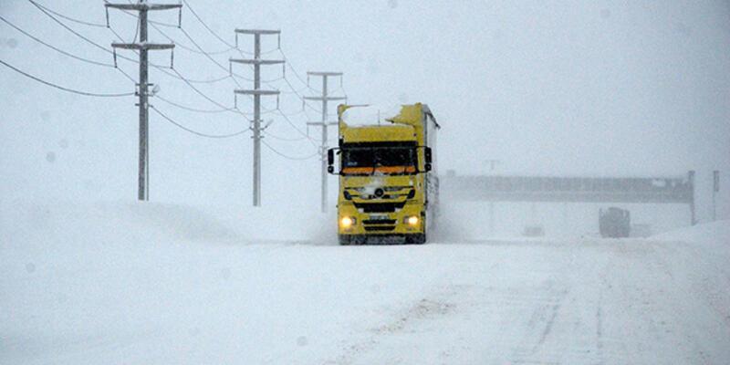 Bitlis, Van, Siirt ve Muş'ta yollar ağır vasıtalara kapatıldı