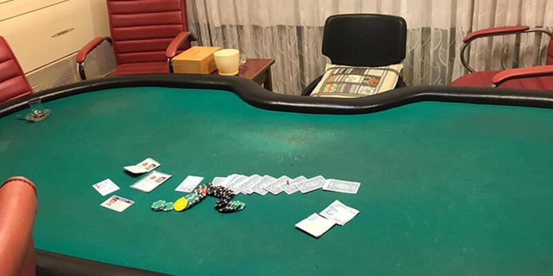 Yasağa aldırmadan kumar oynayanlara baskın