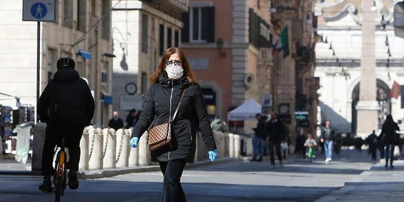 İtalya'da son 24 saatte koronavirüsten 524 ölüm