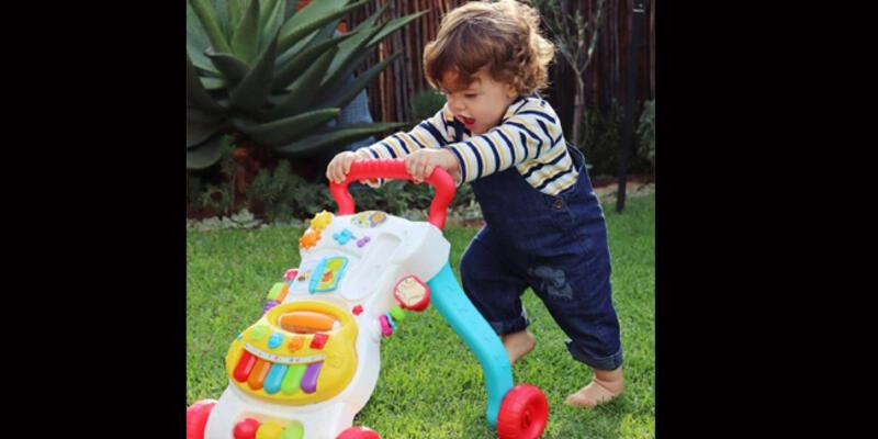 Uzman isim uyardı: Yürüteç çocuğun yürümesini geciktiriyor