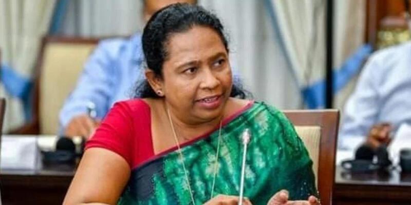 """Kovid-19'dan korunmak için """"kutsal iksir"""" içen Sri Lankalı Sağlık Bakanı'nın testi pozitif çıktı"""