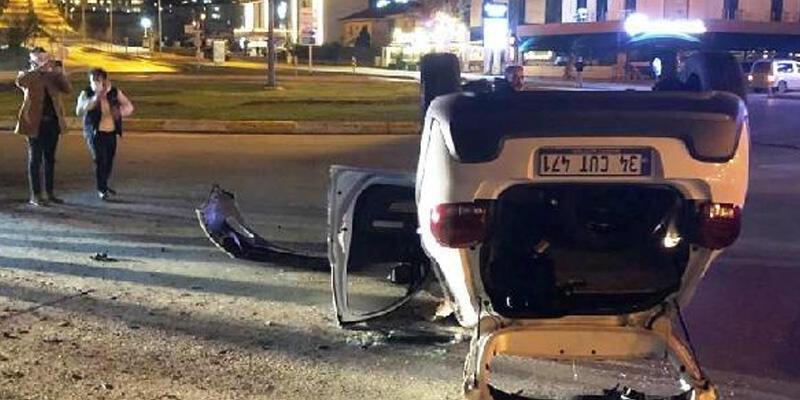 Refüje çarpıp, takla atan otomobilin sürücüsü yaralandı