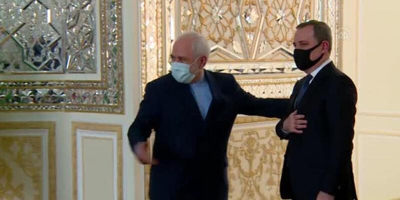 Azerbaycan Dışişleri Bakanı Bayramov, İran Dışişleri Bakanı Zarif ile bir araya geldi