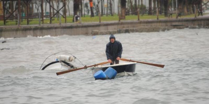 Şiddetli fırtınada balıkçı teknesi battı