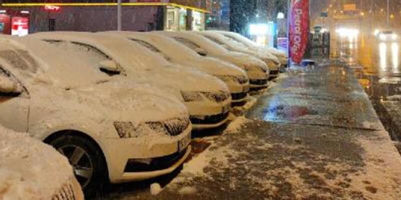 İstanbul'da kar yağışı gece saatlerinde etkili oldu