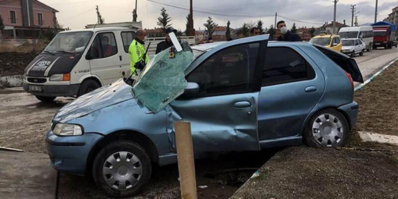 TIR'la çarpışan otomobildeki karı- kocayı ölüm ayırdı