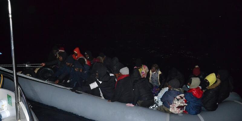 İzmir'da 48 kaçak göçmen kurtarıldı