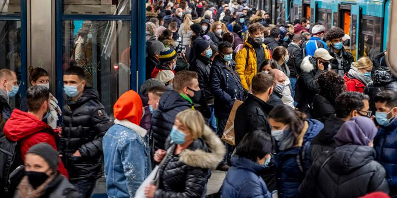 Almanya'da son 24 saatte koronavirüsten 399 ölüm