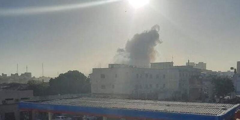 Son dakika haberi: Mogadişu'da büyük bir patlama meydana geldi