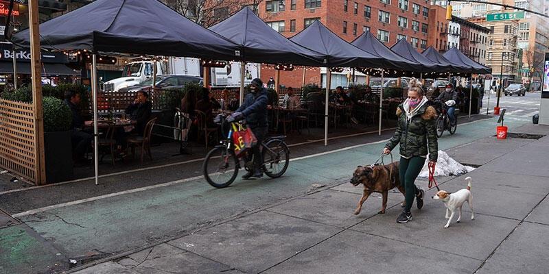 New York'taki restoranların iç mekanları yüzde 25 kapasite ile cuma günü açılıyor