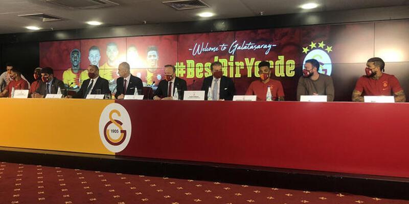 Son dakika... Galatasaray'da yeni transferler için imza töreni düzenlendi