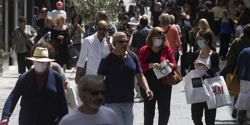 """Yunanistan'ın başkenti Atina ve Pire'de """"sert kapanmaya"""" gidiliyor"""