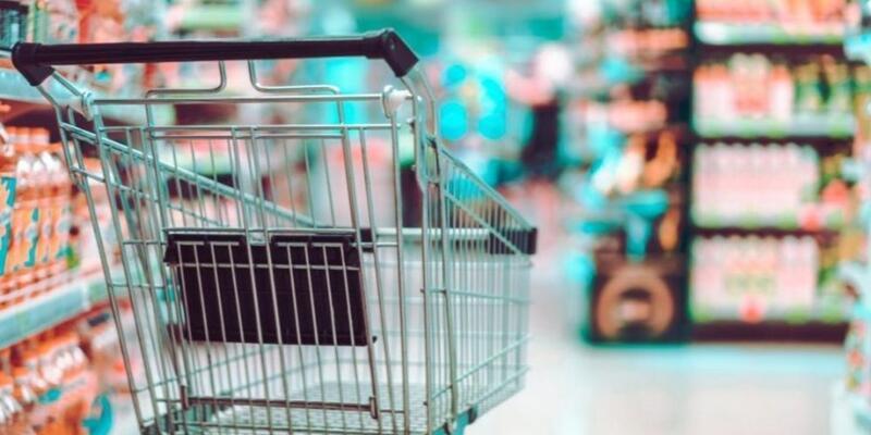 Marketlerde sigara satışı yasaklandı mı? Marketlerde satışı yasaklanan ürünler neler? Marketler hafta sonu kaçta açılacak?