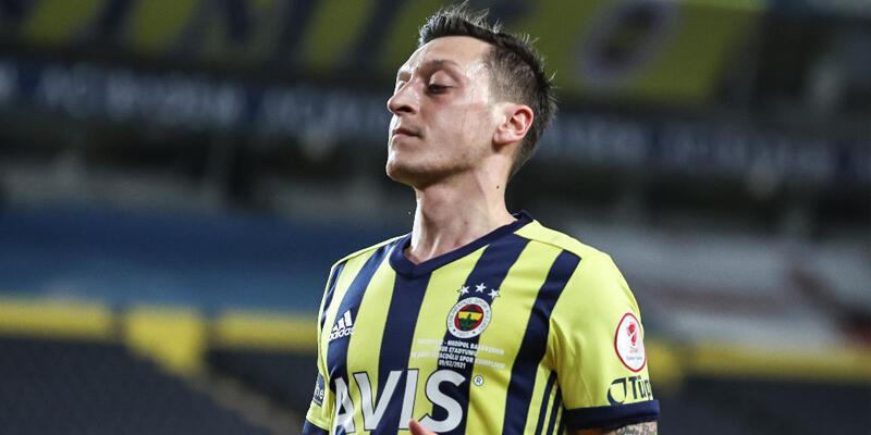 Son dakika... Fenerbahçe'de Mesut Özil rüzgarı tersine döndü!
