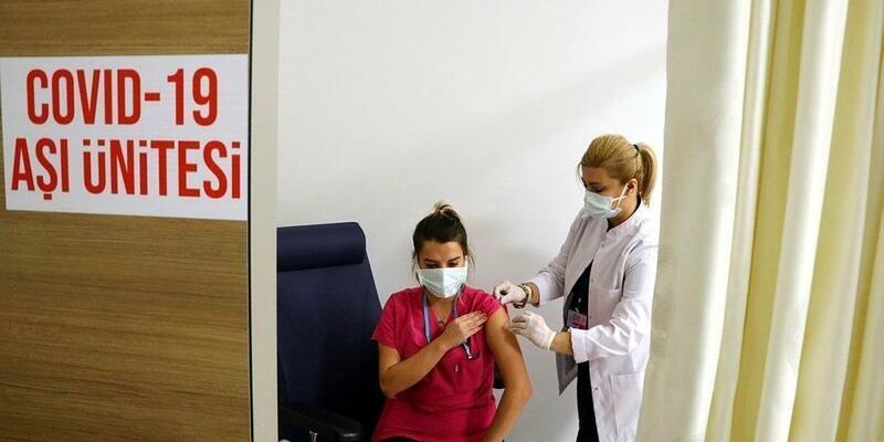 60 yaş üstü aşılama başladı mı, ne zaman? MHRS ile aşı randevusu nasıl alınır? Sağlık Bakanlığı aşı takvimi 2021