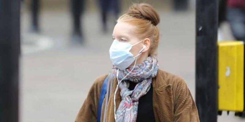 İngiltere'de koronavirüs kaynaklı ölü ve vaka sayıları düşüyor