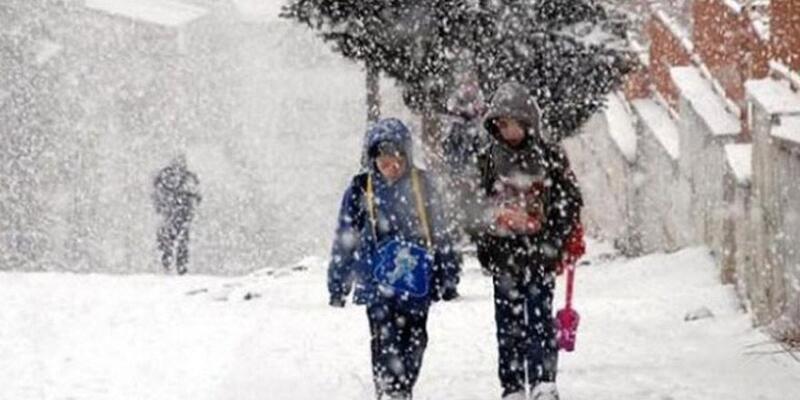 Yüz yüze eğitim hangi sınıflar için başlıyor? Yarın hangi illerde okul var? 15 Şubat 2021 İstanbul'da okullar tatil mi?