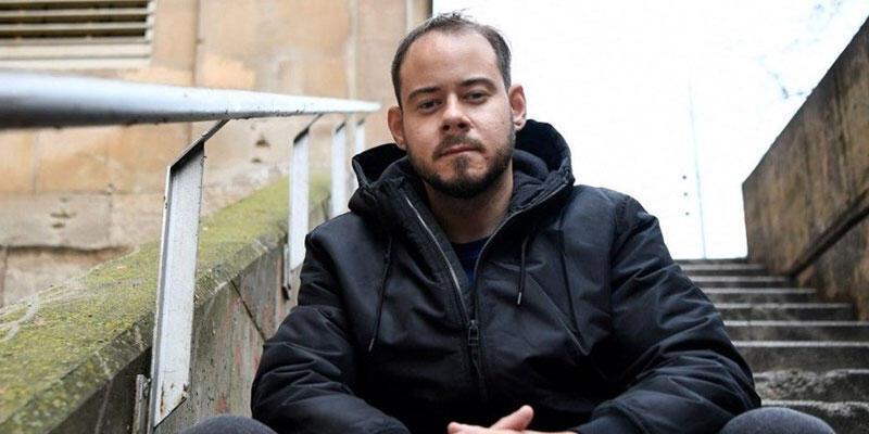 İspanya'da binlerce kişi, rap sanatçısı Pablo Hasel'in cezaevine götürülmesini protesto etti