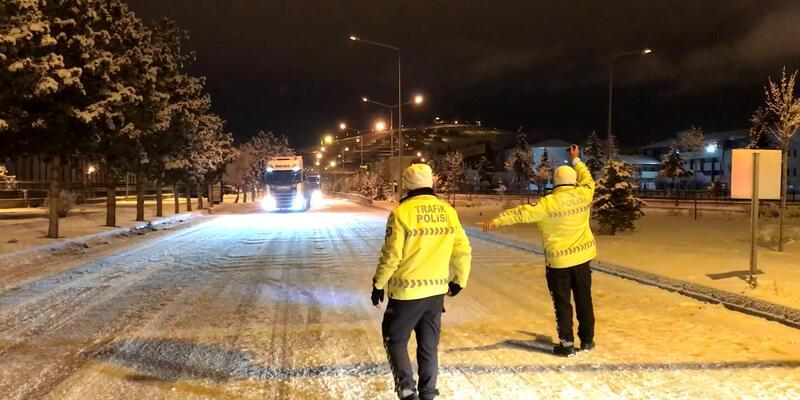 Kop Dağı'nda ulaşıma 'kar' engeli