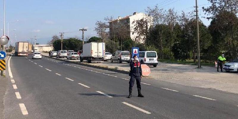 Yol kontrolünde durdurulan otomobilde ruhsatsız tabanca ele geçirildi: 1 gözaltı