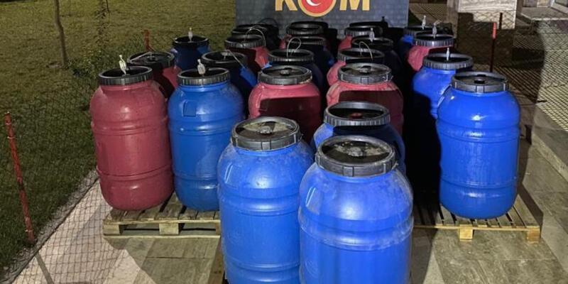 Manisa'da 3,5 ton 'sahte içki' ele geçirildi