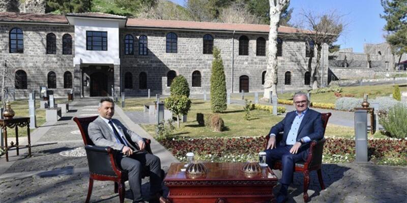 Diyarbakır Valisi Münir Karaloğlu: BBC'yi bile rahatsız etmişiz