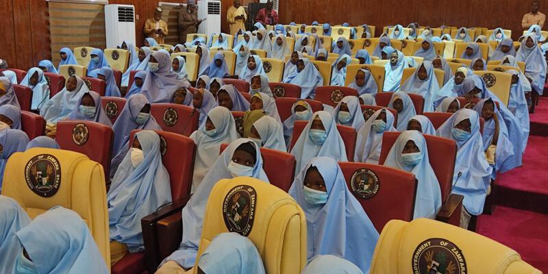 Son dakika... Nijerya'da kaçırılan yüzlerce kız öğrenci serbest bırakıldı