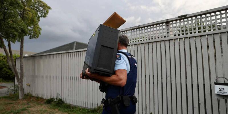 Yeni Zelanda'da camilere saldırı tehdidinde bulunan kişiye gözaltı