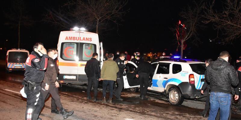 'Dur' ihtarına uymayıp, polis aracına çarptı!