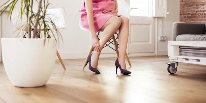 Hergün topuklu ayakkabı giymenin zararları