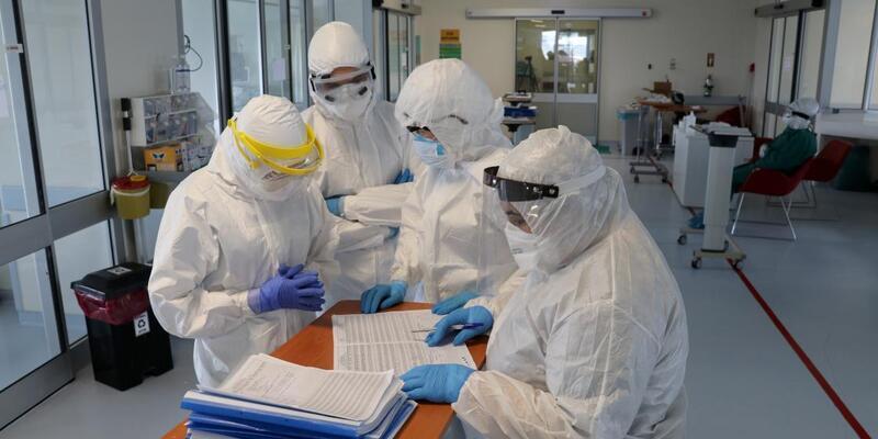 Aşı yaptıran sağlıkçılarda vaka oranı yüzde 90 azaldı