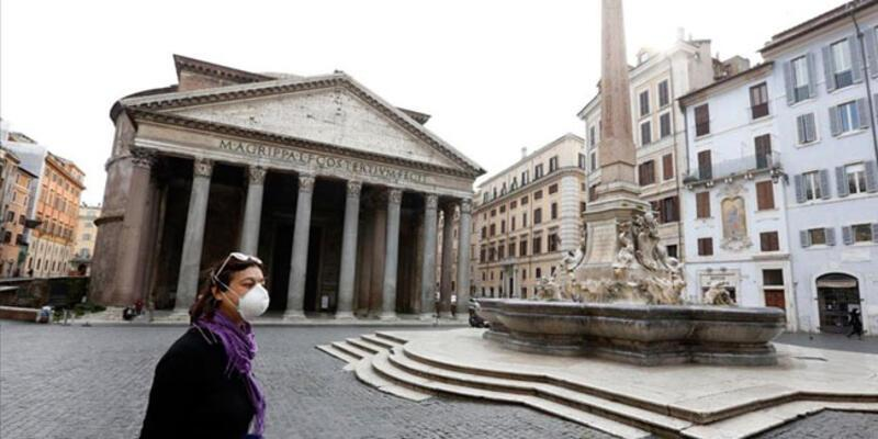 İtalya'da son 24 saatte 23 bin 832 vaka tespit edildi