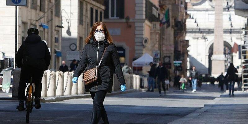 İtalya'da son 24 saatte 20 bin 159 Kovid-19 vakası tespit edildi