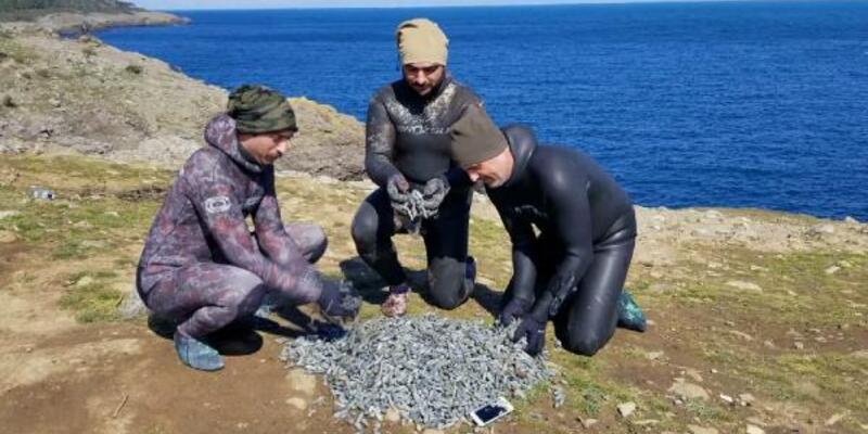 Dalgıçlar denizden 51 kilo olta kurşunu çıkardı