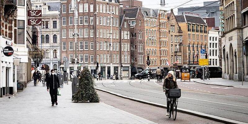 Hollanda'da Kovid-19 kısıtlamaları 20 Nisan'a kadar uzatıldı