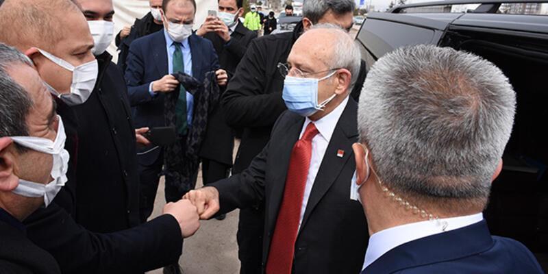 CHP Genel BaşkanıKılıçdaroğlu, Kırıkkale'de emekliler ve kahvehaneci esnafını dinledi